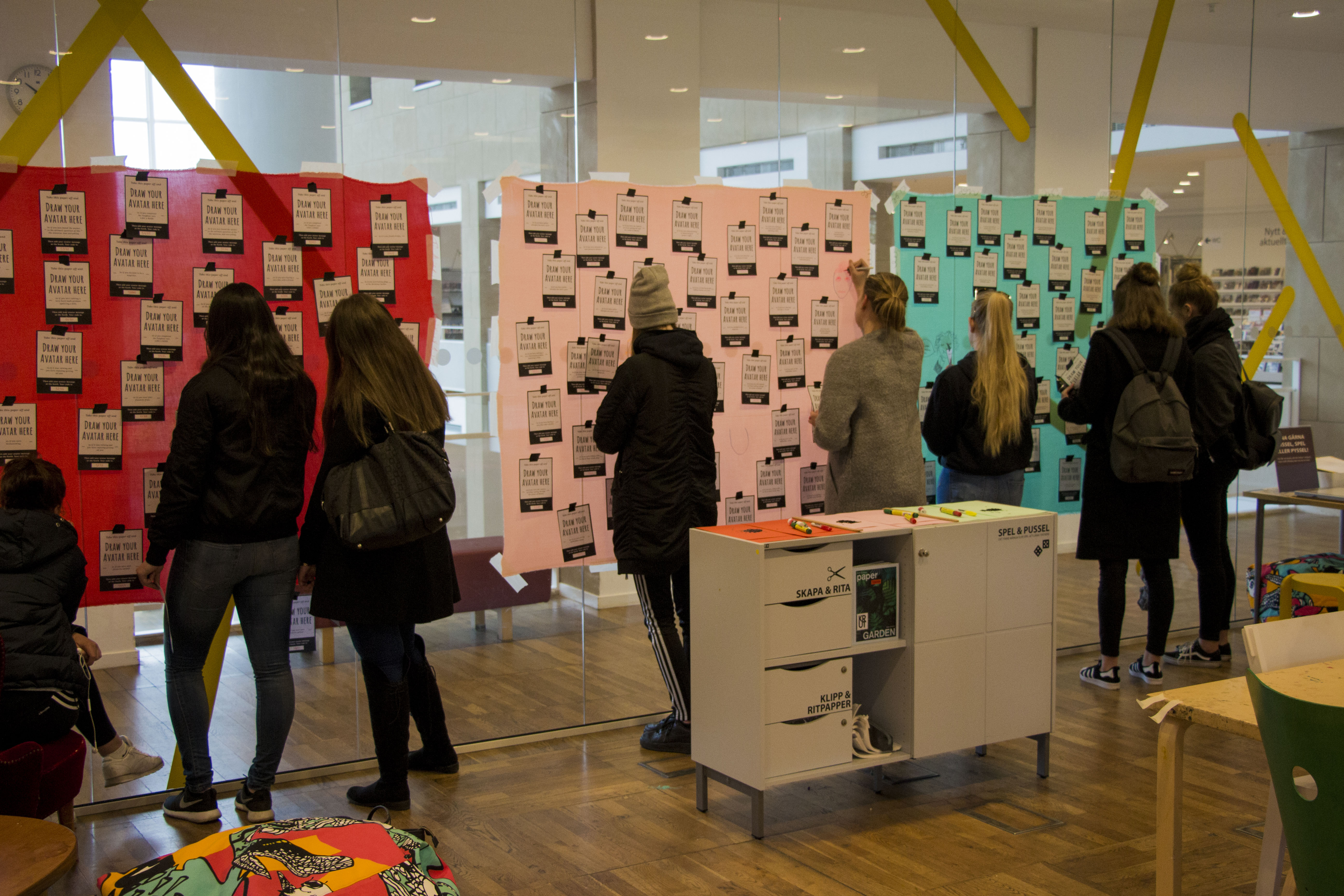 Design experiment #7: We are Malmö. A fashion collection created by the hands of many through an installation at the City Library.